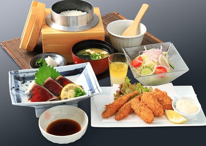 わら焼き鰹と牡蠣フライ御膳